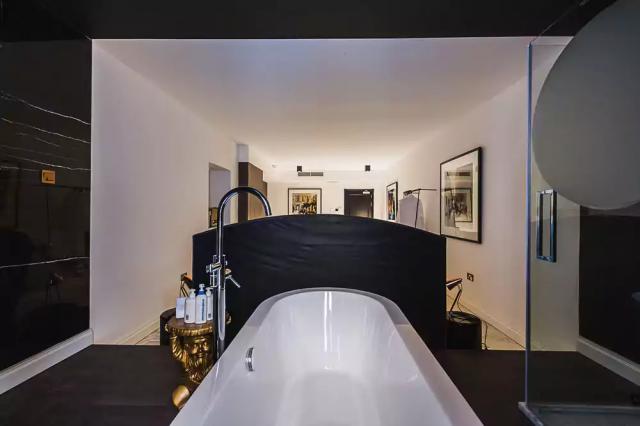 SU29 hotelværelsets badekar