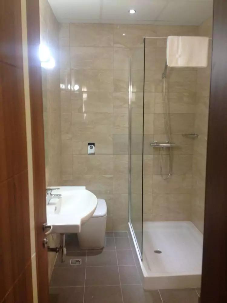 Grand Harbour hotel badeværelse