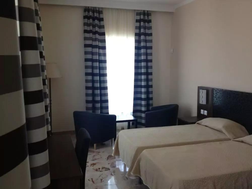Grand Harbour hotel værelse